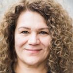 إنام عبود: طبيبة عامة في لندن